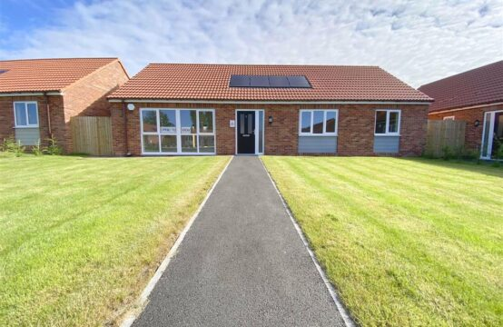 Plot 7, Harvest Square, Rampton. New build 3 bed bungalow with en-suite, integrated kitchen appliances and flooring throughout
